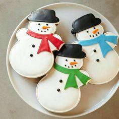 William Sonoma Giant Snowman Cookies, Set of 3