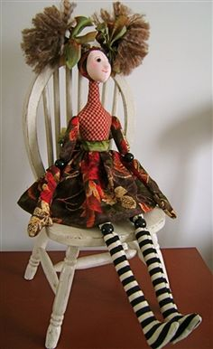 My creative friend Maureen Miller made this great doll in a class. Isn't the doll wonderful?