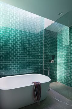 See the finalists of the 2016 Australian Interior Design Awards residential design category. Turquoise Bathroom Decor, Turquoise Room, Bathroom Green, White Bathroom, Turquoise Tile, Small Bathroom, Australian Interior Design, Interior Design Awards, Bad Inspiration