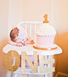 OH MY...this is by far the cutest thing I have EVER seen!!!!!!! Love everything about this picture! So doing this!