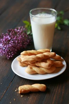 Koulourákia - Easter cookies / cookmegreek