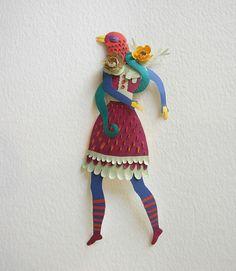 Paper Sculptures and Papercuts:Elsa Mora (lo mío no es normal)