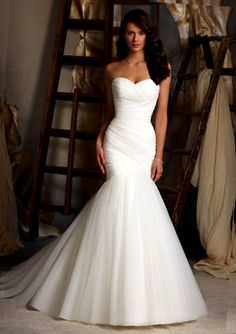 Wedding Dress For Curvy Petite Figure