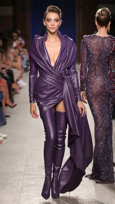 Cardi B's Purple Reign For Paris Fashion Week - Red Carpet Fashion Awards Fashion Week Paris, Live Fashion, Runway Fashion, Fashion Show, Fashion Outfits, Fashion Design, Haute Couture Style, Couture Cuir, Charlotte Ronson
