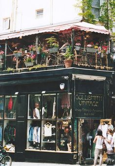 Goldsmith Vintage store on Portbello Road in Notting Hill. The Places Youll Go, Places To See, Notting Hill London, Cities, London Places, England And Scotland, London Calling, London Travel, London England