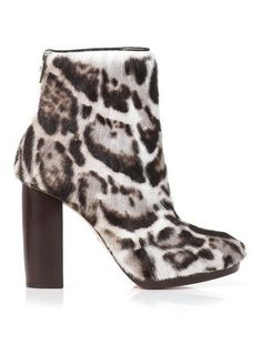 Pin for Later: Put Your Best Foot Forward in Autumn's Most Stylish Ankle Boots Christopher Kane Jaguar Goat-Skin Ankle Boots Christopher Kane Jaguar Goat-Skin Ankle Boots (£346, originally £1,155)