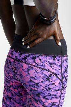 Print power. Fuel your run in the Nike Epic Lux Printed Crops.