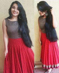 Best 11 Bandhini – House of Ayana – SkillOfKing. Long Dress Design, Dress Neck Designs, Blouse Designs, Long Gown Dress, Frock Dress, Indian Designer Outfits, Designer Dresses, Long Skirt And Top, Gown Party Wear