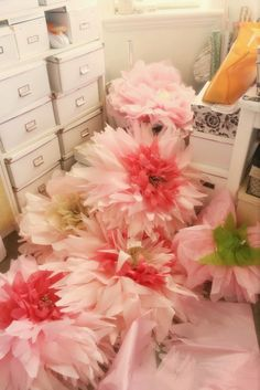Oversized tissue paper flowers diy tutorial pin party our how to make giant paper flowers stems the glitzy pear mightylinksfo
