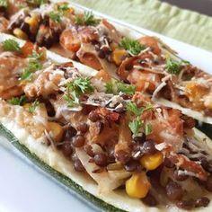 Courgette met linzen, ui, maïs, paprika & Parmezaanse kaas / stuffed zucchini with lentils, onion, maïs, paprika & Parmezan cheese - Het keukentje van Syts