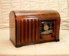Old Antique Wood Zenith Vintage Tube Radio -Restored Working w/ Ingraham Cabinet. eBay auction ends tonight at 11:30 eastern!
