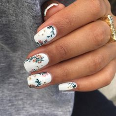 "228 Me gusta, 9 comentarios - Massiel (@mvargas_nails) en Instagram: ""Close up of my birthday Nails . Details are hand painted. Base color is @salonperfect sugar cube ,…"""