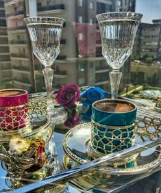 Coffee Cups And Saucers, Cup And Saucer, Tea Cups, Coffee Break, Morning Coffee, Breakfast Tea, Breakfast Tables, Turkish Coffee, Chocolate Coffee