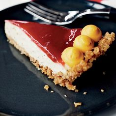 Burned Butter Custard Pie with Cranberry Glaze: To make this glorious pie, Momofuku pastry chef Christina Tosi uses a cinnamon-sugar crumb crust, a luscious brown butter filling and a cranberry glaz. Tart Recipes, Sweet Recipes, Custard Recipes, Pie Dessert, Dessert Recipes, Dessert Book, Dessert Ideas, Just Desserts, Delicious Desserts