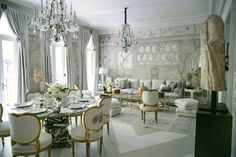 Alex Papachristidis Kips Bay Show house Dining Room featuring Gracie wallpaper Tea Room Decor, Gracie Wallpaper, Kips Bay Showhouse, Long House, White Rooms, Drawing Room, Beautiful Interiors, Living Spaces, Living Room