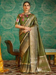 Shop this voguish green pallu border saree boat neck blouse for gathering. This contemporary art silk sari incorporates sleeves, boat neck & embroidery. Lehenga Choli, Anarkali, Indian Blouse, Indian Wear, Indian Sarees, Sari Blouse, Silk Saree Blouse Designs, Choli Designs, Blouse Neck