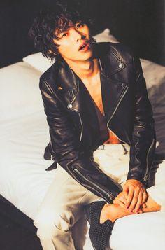 YAMAZAKI KENTO (Possible Damien/Mochizuki Takeshi)