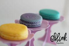 ¡Llena tu día de color! Visítanos y prueba nuestros macarons de mango, lavanda y coco #Mink