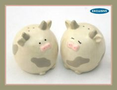 Del Rey Set of 2 Lil' Moo Cow Salt and Pepper Shakers Salt And Pepper Chicken, Salt And Pepper Set, Salt And Pepper Grinders, Salt Pepper Shakers, Salt And Pepper Restaurant, Butter Bell, American Metalcraft, White Cow, Figurine