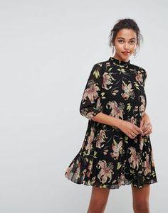 Плиссированное платье мини с высоким воротником и цветочным принтом ASOS