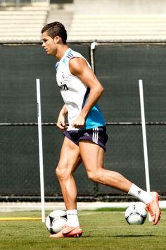 Seriously. Damn. Nice body Ronaldo! ;) keep it up!