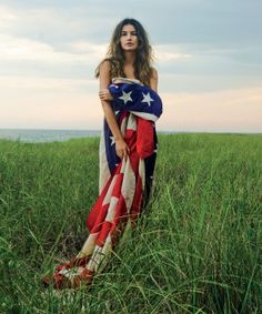 Photographed by Vogue alumna Claiborne Swanson Frank, American Beauty is a tribute to the women who symbolize our country today—from Jenna Lyons to Lisa Mayock, Solange Knowles to Lily Aldridge. Lily Aldridge, All American Girl, American Women, American Pride, American Art, American History, Flag Photoshoot, Photoshoot Ideas, Beauty Book