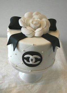 nice 30 Best Designer Fashion Birthday Cakes ,  The Best Birthday Designer Fashion Birthday cakes file started to inspire my friends that have their birthday this month. Now I have found more tha... ,  #birthdaycake #Chanel #Chanelbag #ChristianLouboutin #designer #fashion #Valentino