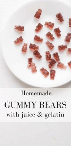Homemade Gummy Bears with Juice and Gelatin Homemade Gummy Bears, Homemade Gummies, Homemade Candies, Homemade Sweets, Homemade Food, Gelatin Recipes, Candy Recipes, Real Food Recipes, Snack Recipes