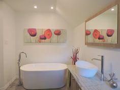 Maison à étages - Via Capitale Bathtub, Bathroom, Bath, Standing Bath, Washroom, Bath Tub, Bathtubs, Bathrooms
