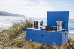 Auto Camping, Camping Places, Camping Stove, Outdoor Camping, Camping Chuck Box, Camping With Kids, Camping Ideas, Camping Tricks, Diy Camping