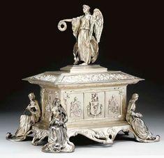Winged Victory, Silver Centerpiece, Antique Boxes, Casket, Oeuvre D'art, Les Oeuvres, Antique Silver, Art Nouveau, Lion Sculpture