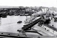 The liner,the SS Stratheden, berthed at Circular Quay, Sydney in 1950.