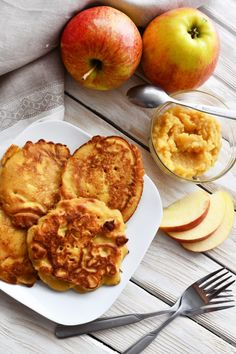 Apple pancakes - Anna Lewandowska - healthy plan by Ann Healthy Sweets, Pancakes, Muffin, Anna, Apple, Breakfast, Recipes, Foods, Apple Fruit