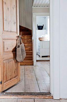"natural wood + pale floor + beadboard (""my scandinavian home: A beautifully renovated Swedish farmhouse"") Swedish Interior Design, Swedish Interiors, Swedish Farmhouse, Swedish House, Swedish Style, White Farmhouse, Farmhouse Interior, Swedish Cottage, Vintage Farmhouse"