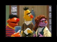 Sesame Street - Elmo Visits The Doctor - Spanish - Oznoz - YouTube