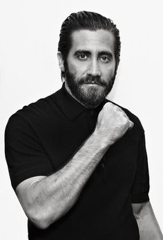 Jake Gyllenhaal Photos - SiriusXM's 'Town Hall' With Jake Gyllenhaal, Oona Laurence, and Miguel Gomez - Zimbio