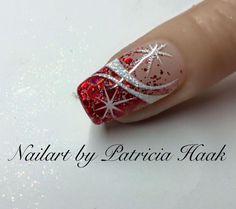 Gorgeous christmas nails ideas 83