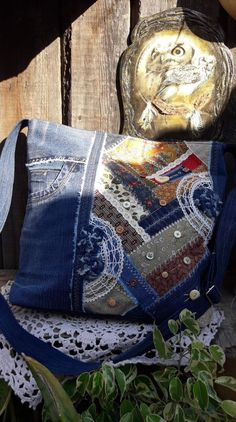 Love the piecing with lace on this bag.