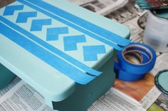 Stencil a Step Stool with ScotchBlue Painter's Tape - Live Laugh Rowe Stool Makeover, Furniture Makeover, Diy Furniture, Stencil Diy, Stencils, Diy Stool, Step Stools, Painters Tape Design, Antique Furniture Restoration