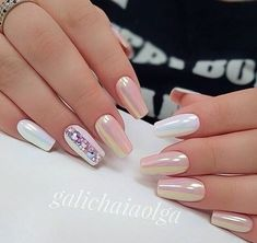 Having short nails is extremely practical. The problem is so many nail art and manicure designs that you'll find online Fabulous Nails, Gorgeous Nails, Pretty Nails, Nude Nails, Pink Nails, Glitter Nails, Acrylic Nails, Coffin Nails, Elegant Nails