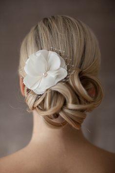 """""""Eva"""" Braut Haarschmuck Hochzeit Seidenblüte"""