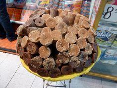 piloncillo: una azucar que usa en mexico mucho para cocinar postres.