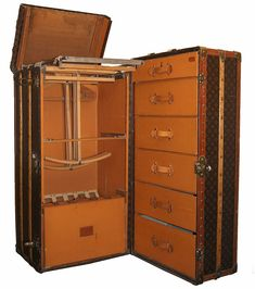 Louis Vuitton Luggage Set | set of Louis Vuitton Luggage or a steamer trunk like this one ...