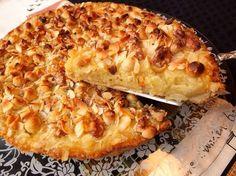 Tarta sueca de manzana con nueces, almendras y avellanas