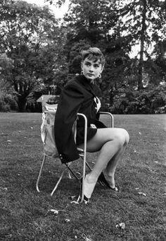 "summers-in-hollywood: ""Audrey Hepburn on the set of Sabrina, Photos taken by Dennis Stock "" Golden Age Of Hollywood, Vintage Hollywood, In Hollywood, Audrey Hepburn Born, Audrey Hepburn Photos, Chace Crawford, Chris Pine, Jake Gyllenhaal, Dennis Stock"