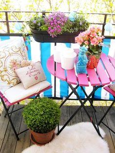 : balcony fix Tiny Balcony, Small Balcony Decor, Small Terrace, Small Outdoor Spaces, Balcony Ideas, Small Balconies, Balcony Garden, Vintage Home Decor, Diy Home Decor
