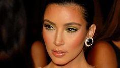 #Spettacoli: #Kim Kardashian: Selfie senza trucco con la figlia North da  (link: http://ift.tt/1MWG0du )