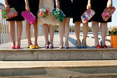 Bridesmaids with matching purses | Purses by Lionsgate Designs | Photo: Charla Maarschalk and Jana Photography