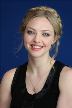 10 Things You Didn't Know about Amanda Seyfried – Celebrities Female Amanda Seyfried, Hot Hot Picture, Actrices Hollywood, Brown Blonde Hair, Sarah Michelle Gellar, Beautiful Smile, Beautiful Celebrities, Hair Beauty, Star Wars