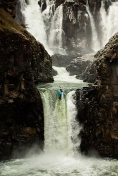 Hood River, Oregon Photograph by Tyler Roemer,& Shot A kayaker places one of her last strokes off Celestial Falls in Oregon. See why we love Hood River, Oregon >> (This photo and caption were submitted to My Shot. Rafting, Adventure Town, Adventure Is Out There, Beautiful World, Beautiful Places, Hood River Oregon, Places To Travel, Places To Visit, Whitewater Kayaking